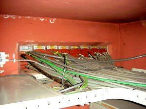 De afgaande kabels